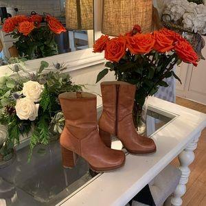 BONGO  8.5 leather boots!  Wooden chunky heel!